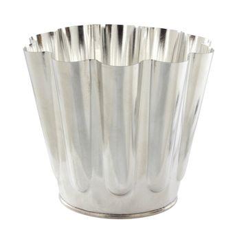 Achat en ligne Moule à gâteau battu en fer blanc 16 cm 8/10 parts - Matfer